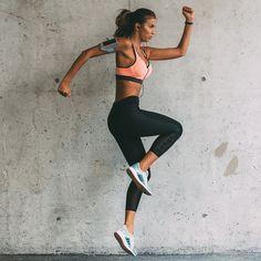 Un peu sur le même principe que le HIIT (High Intensity Interval Training, ou entrainement à haute intensité sur intervalles courts), l'enchaînement d'un ou de plusieurs mouvements peut être incroyablement « cardio ». La preuve, une étude récente a indiqué que des exercices de 2,5 minute...