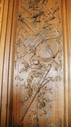 Панель  ~  wood carved door with beautiful carvings of musical instruments and music! Architectural Salvage, Carved Door, Wood Paneling, Rococo, Architecture Details, Painting On Wood, Parquet, Wood Carvings, Art Decor