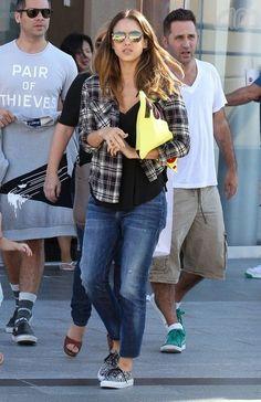 Jessica Alba Photos: Jessica Alba & Family Out At The Movies