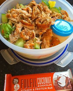 Rest day:  @leanmeatldn shredded slowcooker chicken thighs salad with apple cucumber and honey mustard dressing and @fulfil coconut bar.  3 meals peeped and a 9k run before work not a bad morning... Calories:539 Fat:22 Carbs:24 Protein:55  #intermittentfasting #fasting #if #healthy #eatbig #bodybuilding #nutrition #workout #leangains #iifym #ifitfitsyourmacros #fit #protein #leangainsmeals #diet #eatclean #foodporn #cleaneating #fitness #instafood  #fitness #gym #meal #instafood #instafit…