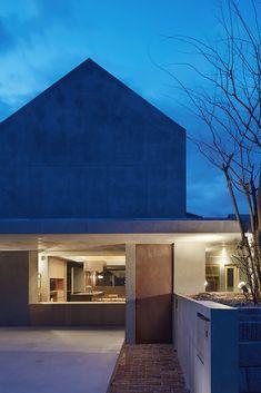 Gallery of Floating Hut / Tomohiro Hata Architect and Associates - 25