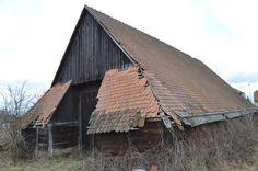 Pjekné Mjestečko Cabin, House Styles, Home Decor, Decoration Home, Room Decor, Cabins, Cottage, Home Interior Design, Wooden Houses