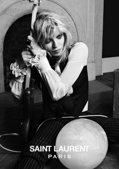 Saint Laurent en musique avec Courtney Love http://www.vogue.fr/mode/news-mode/diaporama/saint-laurent-en-musique/12543#!8