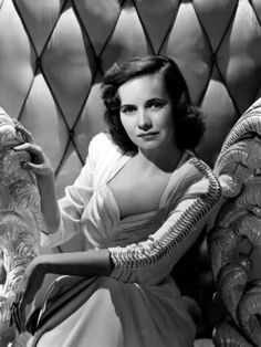 Teresa Wright (October 27, 1918 – March 6, 2005) was an American actress. Description from pinterest.com. I searched for this on bing.com/images