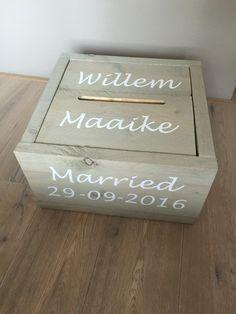 Enveloppendoos van grijs gebeitst steigerhout www.belevenisinopjebruiloft.nl