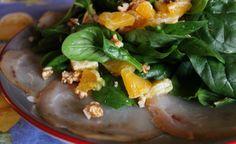 Velocissimo da preparare e super goloso, il pesce spada affumicato con spinacini e arancia è un antipasto oppure può essere considerato anche un secondo. Spinach, Vegetables, Food, Essen, Vegetable Recipes, Meals, Yemek, Veggies, Eten