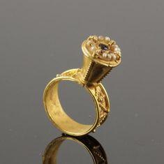 Jewellery Stores Greenhills, Jewellery Gold Near Me Greek Jewelry, Gothic Jewelry, Jewelry Art, Antique Jewelry, Gold Jewelry, Jewelry Rings, Jewelery, Vintage Jewelry, Jewelry Design