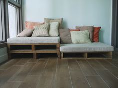 The Great Indoors » Rustic Pallet Sofa Contacted the owner about the seat cushion. The package he offers include that wooden pallet.