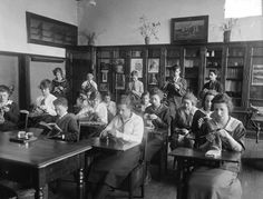 Here's what happened when students went to school during the 1918 pandemic History Class, World History, Alexander Graham Bell, School Opening, School Teacher, Current Events, American History, The Neighbourhood, Students