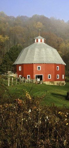 Round barn………HEY, YOU KNOW WHAT WE HELD IN THIS … ROUND BARN…(??)  THAT'S RIGHT………SQUARE DANCES……..WHO-EEEE…………ccp
