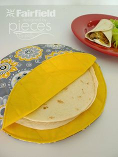 DIY Sewing Projects for the Kitchen - Simple Tortilla Cozy - Easy Sewing Tutoria. DIY Sewing Projects for the Kitchen - Simple Tortilla Cozy - Easy . Diy Sewing Projects, Sewing Projects For Beginners, Sewing Hacks, Sewing Tutorials, Sewing Crafts, Sewing Tips, Craft Projects, Sewing Ideas, Diy Crafts