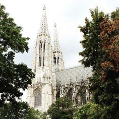 #sigmundfreudpark #votivkirche #votivkirchewien #votivchurch #votivchurchvienna…