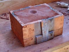 molde terminado Homemade Forge, Refractory Brick, Knife Patterns, Metal Tools, Jewelry Tools, Metal Casting, Dremel, Design Process, Molde