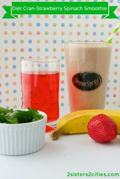 Diet Cran-Strawberry Spinach Smoothie {from 2 Sisters 2 Cities} #oceanspray #dietcranberry #smoothie