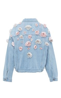 This **Anouki** Floral Denim Jacket features a classic design with allover floral appliqué detail. Diy Jeans, Textiles Y Moda, Denim Fashion, Fashion Outfits, Diy Kleidung, Embellished Jeans, Embroidered Jeans, Floral Denim, Embroidery Fashion