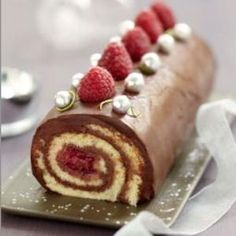"Bûche au chocolat, framboise et biscuit coco citron vert Christmas ""log"" made of chocolate, raspberries, coconut-lime biscuit Christmas Cooking, Christmas Desserts, Christmas Log, Biscuit Coco, Swiss Roll Cakes, Yule Log Cake, Cake Roll Recipes, Cocoa Recipes, Nutella Cake"