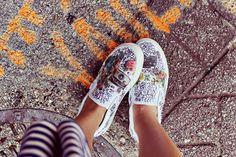 en-rHed-ando: Como Tunear unas Zapatillas con Revistas