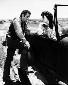 Elizabeth Taylor and James Dean on the Movie Set of 'Giant' Candid Photo