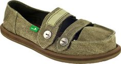 Take a look at this Green Cadet Slip-On Shoe - Women by Sanuk on today! Cute Fashion, Fashion Shoes, Pin Up Style, My Style, Comfortable Flip Flops, Sanuk Shoes, Vintage Silhouette, Love To Shop, Classy And Fabulous