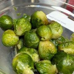 Quick and Easy roasted brussel sprouts vegan special on juru solek recipes site - Roasted brussel sprouts - Roasted Sprouts, Sprouts With Bacon, Roasted Vegetables, Sprouts Vegetable, Vegetable Dishes, Instant Pot, Roast Recipes, Quick Recipes, Low Carb Side Dishes