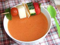 Gazpacho de tomate y frutas. Ver la receta http://www.mis-recetas.org/recetas/show/43428-gazpacho-de-tomate-y-frutas