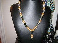 Gold and green pearls Necklace