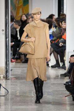 Akris Fall/Winter 2020 Look 11 Fashion Week, Skirt Fashion, Fashion Show, Fashion Design, Sheath Dress, Peplum Dress, Face Wrap, Stretch Pencil Skirt, Ribbed Cardigan