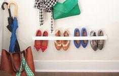 Monte um organizador de sapatos perto da porta de entrada de sua casa, para manter os sapatos que ma