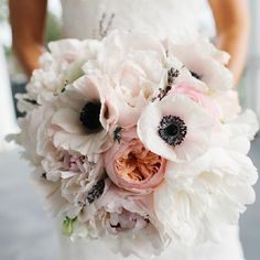 A gallery of the Best Wedding Bouquets of 2013. (Photographer: Riverland Studios)