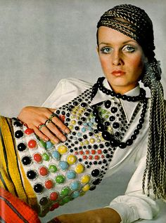 Twiggy by Richard Avedon, 1968. I want this vest!! Shirt?