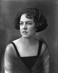 #Retro fashion. Women Fashionable Hairstyles from the 1920s