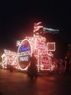Parada Elétrica Magic Kingdom Disney