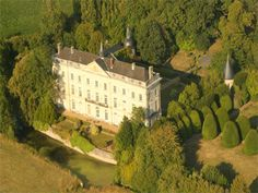 French Chateau for sale in 49 - Maine et Loire , Western Loire France. This beautiful Château situated in the Maine et Loire, 35 kms north of Angers has easy access to Paris by the autoroute and the TGV. With an overall surface area of 900m2 the property has recently been completely renovated inside. All the reception rooms have a double aspect so the property is very luminous. Set in 11.6 hectares of attractive parkland with a beautiful avenue of mature chestnut trees, a rose garden and…