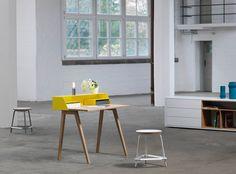 Designer Schreibtische werden immer raumsparender. Hier gibts 5 tolle Beispiele, die das Interieur unauffällig ergänzen, jetzt stöbern!