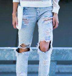 jeans / street style http://www.alolalom.com