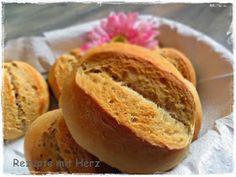 Gutes Brot und Brötchen brauchen etwas Zeit !     Dieses Brötchenrezept hört sich aufwendig an, ist es aber nicht.   Man muss ledigl...