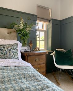 Country Master Bedroom, Green Master Bedroom, Blue Bedroom, Master Bedroom Design, Bedroom Colors, Home Decor Bedroom, Bedroom Wall, Blue Green Bedrooms, Farrow And Ball Bedroom
