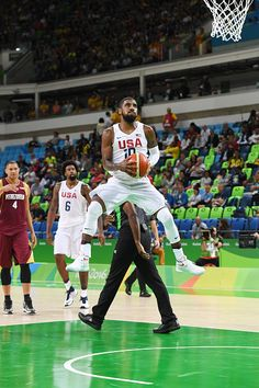 Kyrie Irving of the USA Basketball Men's National Team shoots the ball against Venezuela on Day 3 of the Rio 2016 Olympic Games at… Basketball Court Size, Team Usa Basketball, Basketball Court Flooring, Basketball Uniforms, Basketball Drills, Basketball Association, Basketball Shoes, Nba Pictures, Basketball Pictures