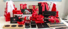 Elija su #cajaregalo, sus #platos, #portabrochetas, #tablas...  preferidas y nosotros se lo enviamos ya preparado y embalado para #regalo. Gift Wrapping, Gifts, Christmas Gifts, Gift Boxes, Boards, Restaurants, Presents, Wrapping Gifts, Gifs