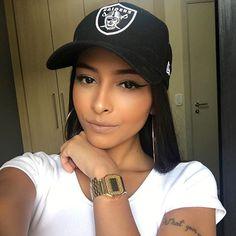 Nicole Prazeres <3 https://www.youtube.com/channel/UC4Mc_b1qLmFQmykFVifIzaw