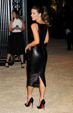 Kate Beckinsale dazzles in a skintight Burberry dress at designer's London In Los Angeles event