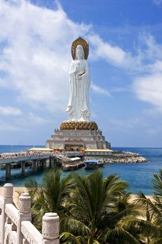Aussi colossales que majestueuses, voici les 10 plus grandes statues du monde