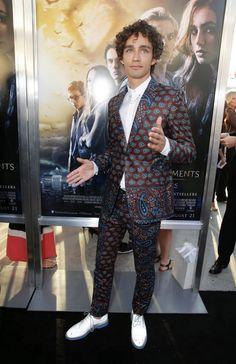 Robert Sheehan - City of bones LA premier best suit ever only Robert could pull it off ahaha!