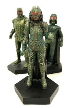 """Neil Corry on Twitter: """"Queen Empress Iraxxa (with entourage). Issue 114 of #DoctorWho Figurine Collection. Out December 28, 2017 @Markgatiss https://t.co/VmrP7OVLKF"""""""