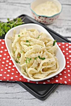 BEST Keto Noodles! Low Carb Pasta Noodle Idea – Homemade - Quick & Easy Ketogenic Diet Recipe – Completely Keto Friendly Easy Healthy Dinners, Healthy Foods To Eat, Healthy Dinner Recipes, Low Carb Recipes, Diet Recipes, Low Carb Pasta, Low Carb Keto, Low Carb Noodles, Pasta Noodles