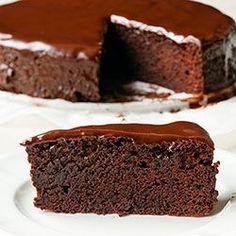 Torcik czekoladowy. Pyszne ciasto czekoladowe, idealne do kawy. Polish Recipes, Chocolate Desserts, Brownies, Sweet Tooth, Food And Drink, Sweets, Baking, Dinner, Cakes