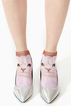 I've been wondering how to wear cute socks like this but still have them be visible, pssh no duh