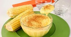 Curau de milho verde    Ingredienti:   •4 pannocchie verdi  •500 ml di latte  •1/2 tazza di zucchero  •un pizzico di sale  •cannella q.b.