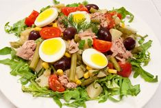 salata-de-ton-cu-fasole-verde-si-porumb-1 Romanian Food, Salad Dressing, Cobb Salad, Health Fitness, Food And Drink, Cooking Recipes, Buffets, Anna, Crack Crackers
