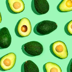 These five deliciously vegan avocado dessert recipes are a healthy way to add in more vitamins, minerals, healthy fats, and fiber to dessert. How To Cut Avocado, Fresh Avocado, Avocado Juice, Herbalife, Calcium Rich Diet, Help With Bloating, Toast Toppers, Avocado Plant, Avocado Dessert